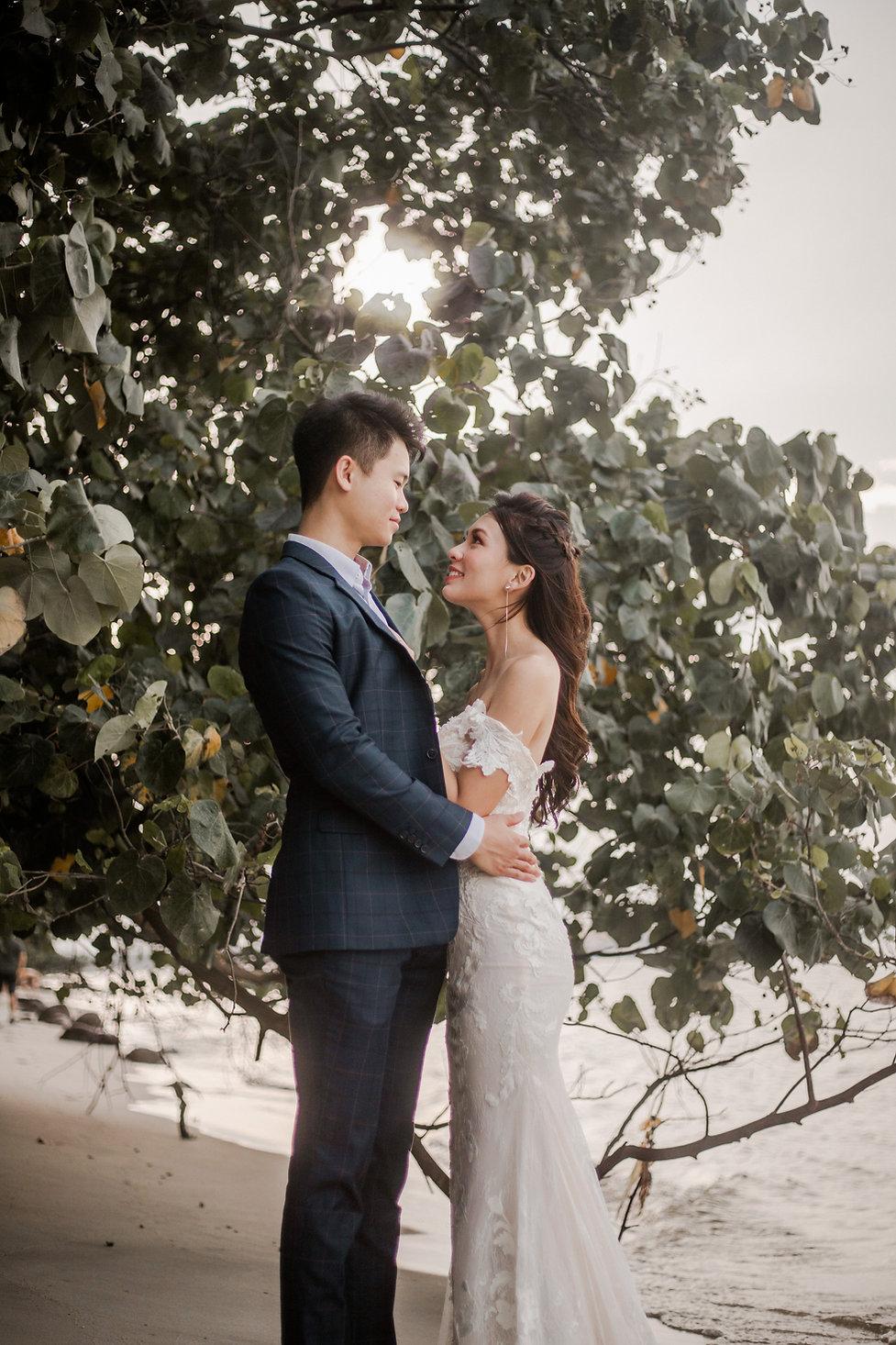 Beach Pre-wedding photoshoot