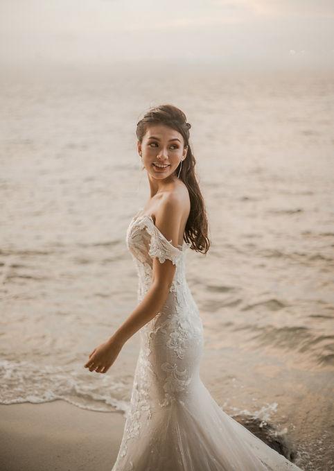 Wedding photoshoot by the beach