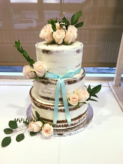White Rustic Rose Cake