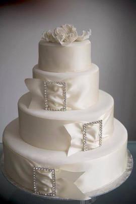 Bucket Belt Wedding Cake