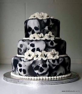 Skull Flower Cake
