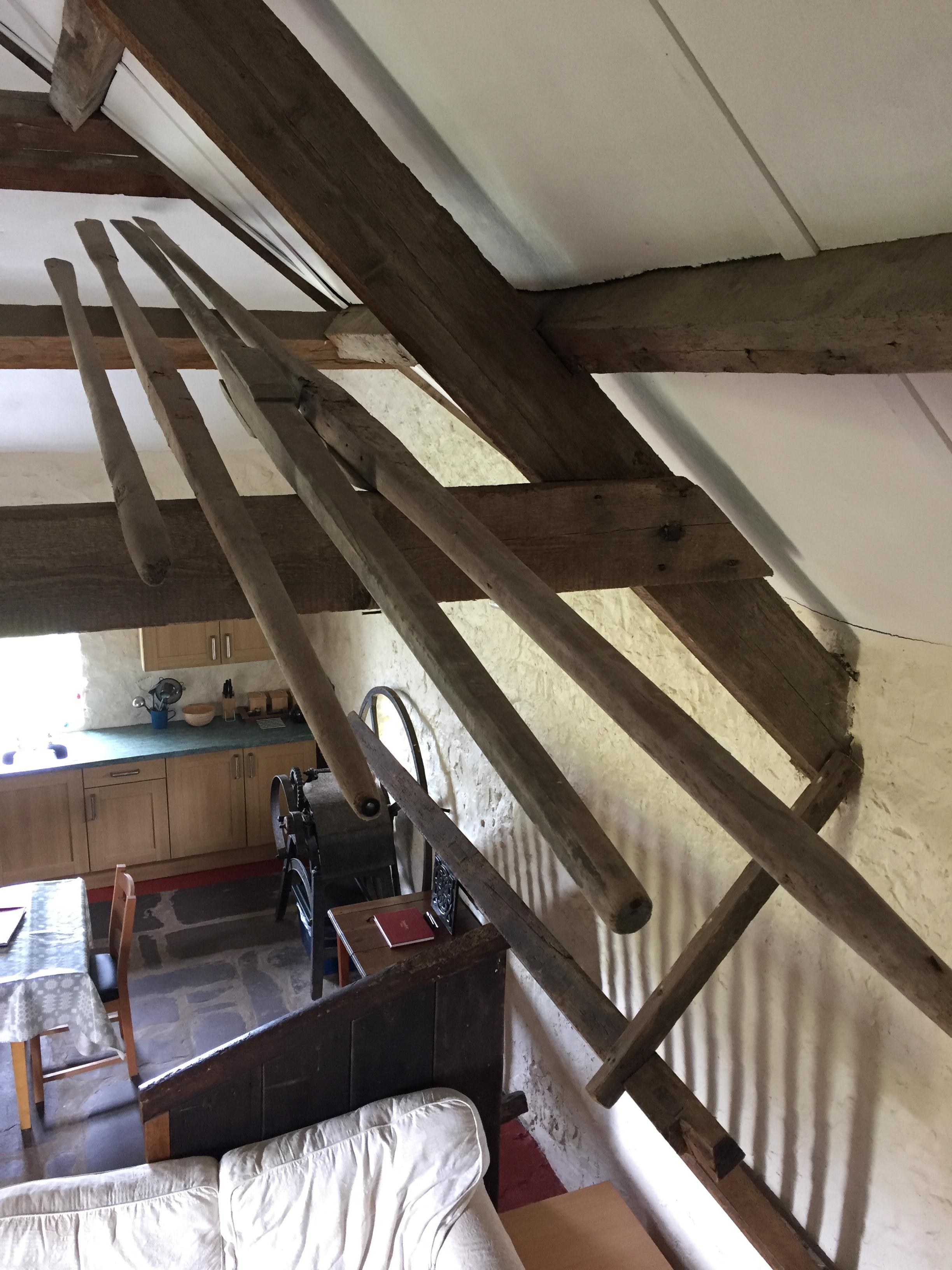 Olion wreiddiol | Original oars