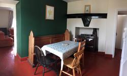 Ystafell fwyta / dining room @ Nant