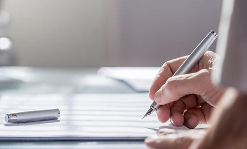 Документ с ручкой