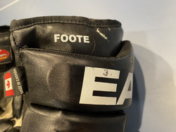 Foote2003EraGloves3