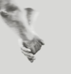 Holding hands - fyrkant.jpg