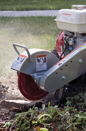 Dosko stump grinder in action