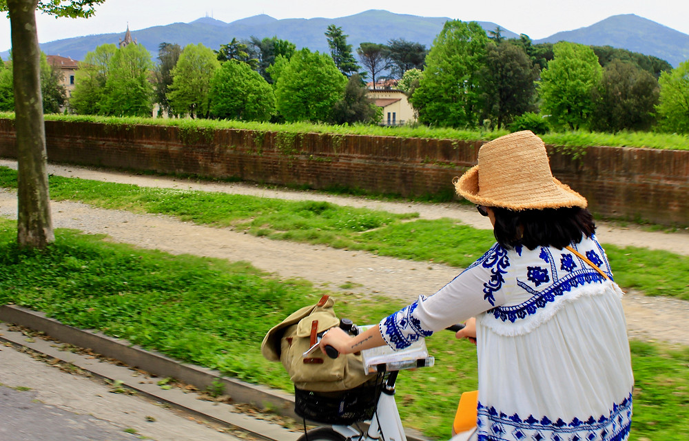Cycling Lucca's Picturesque Battlements