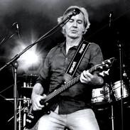 Micha Kunzi Bassist