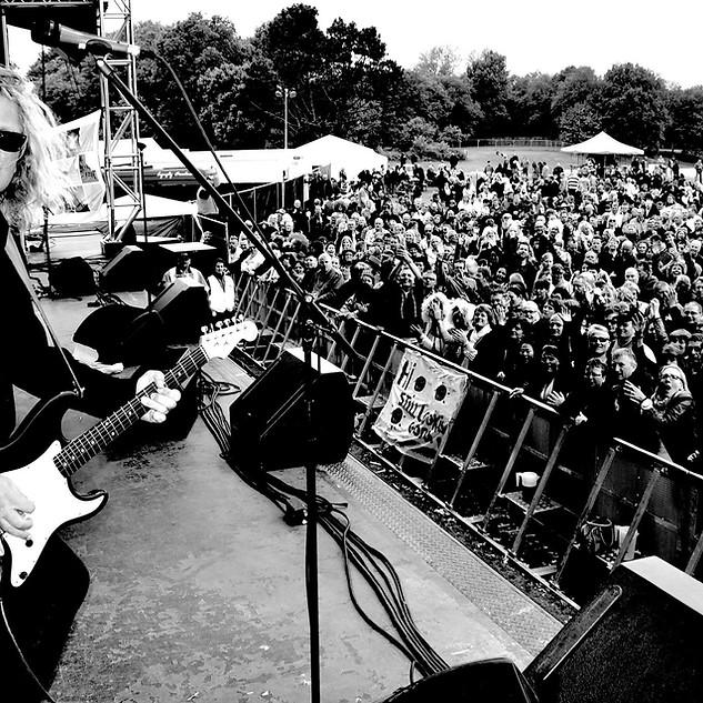 Aron Strobel Gitarrist