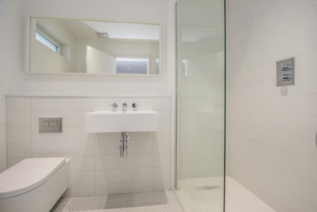 Bespoke bathroom in white