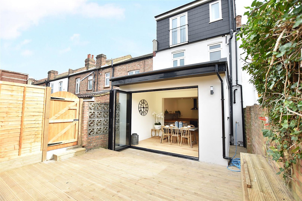Rear house extension on the terraced house