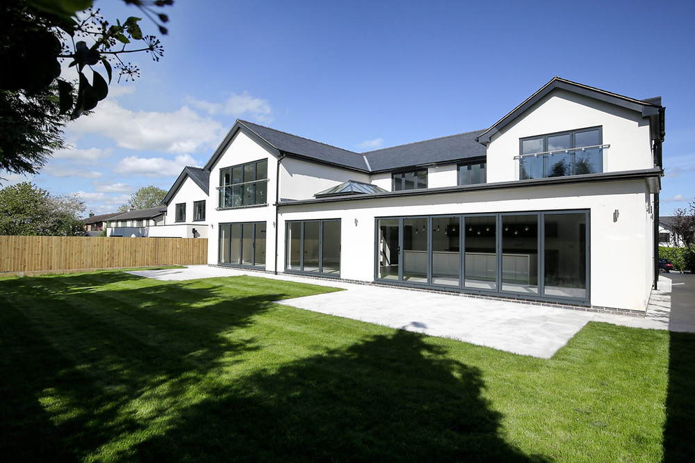 Wraparound two storey and single storey by Lccl Construction