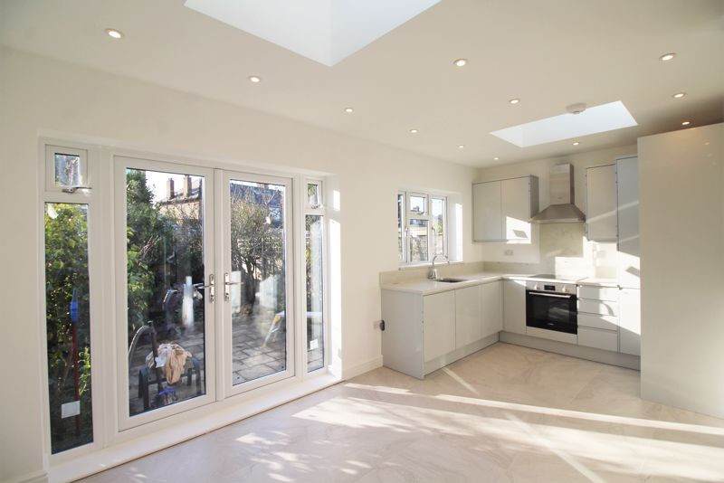 Open plan rear house extension with kitchen