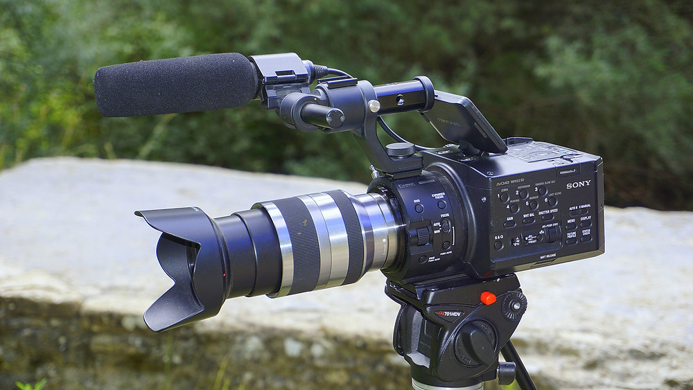 ビデオカメラ×デジタル一眼レフカメラ