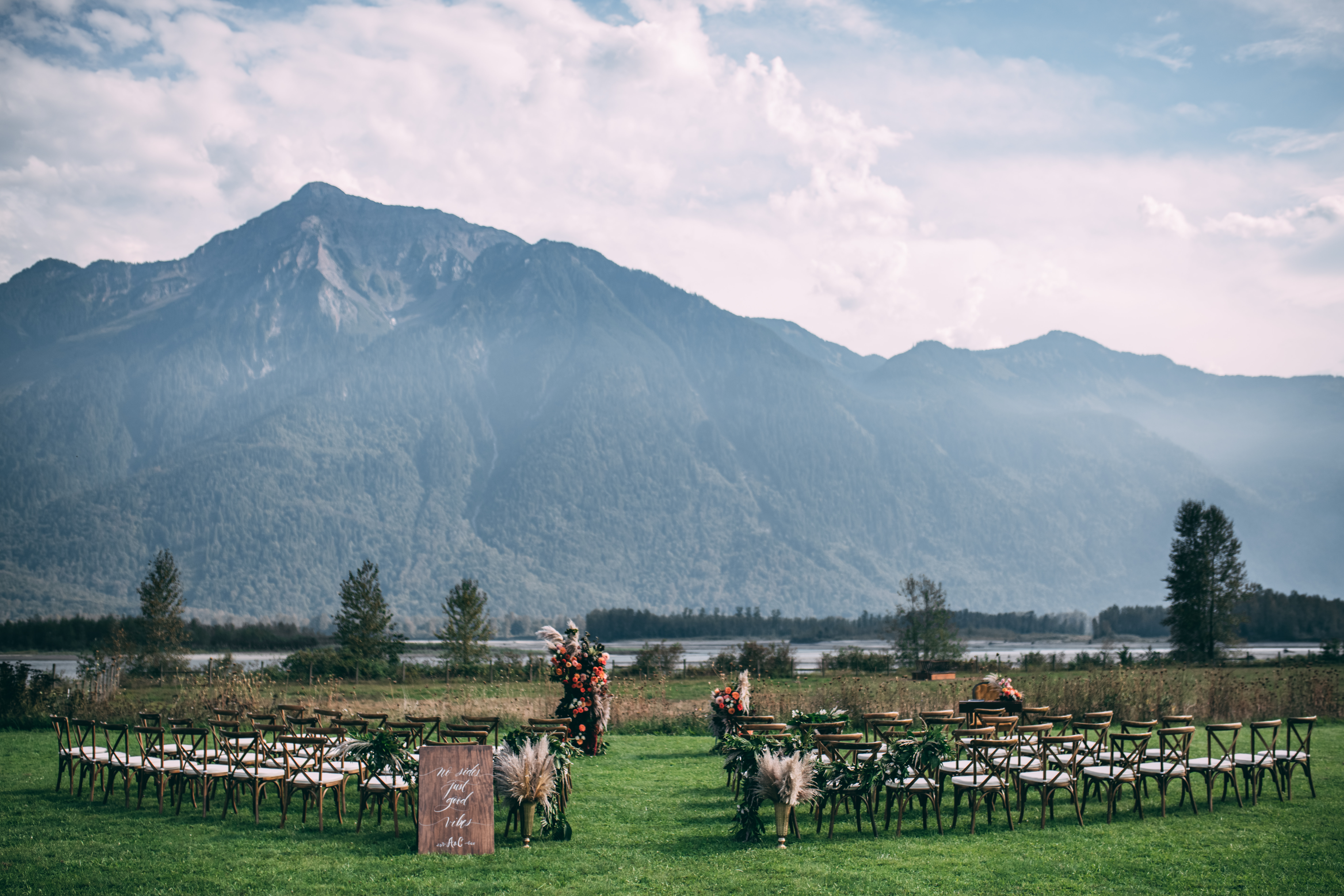 Fraser River Lodge Outdoor Ceremony