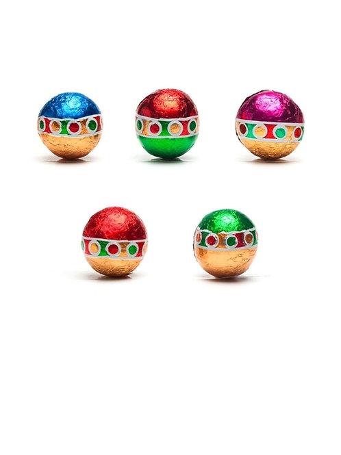 Madelaine Milk Christmas Balls