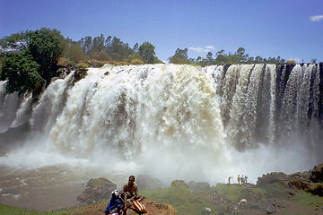 blue_nile_falls_people.jpg