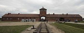 250px-Auschwitz_II-Birkenau_(main_gate).