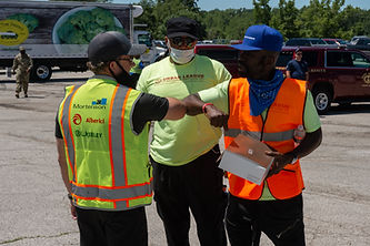 041 KeeleyCares_Urban League Food Drive_