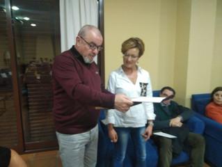 """Asociación """"Cuenta Conmigo"""" entrega placa de agradecimiento al Club Tenis Rute"""