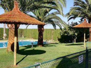 Nuevas zonas de sombra en la piscina de verano.
