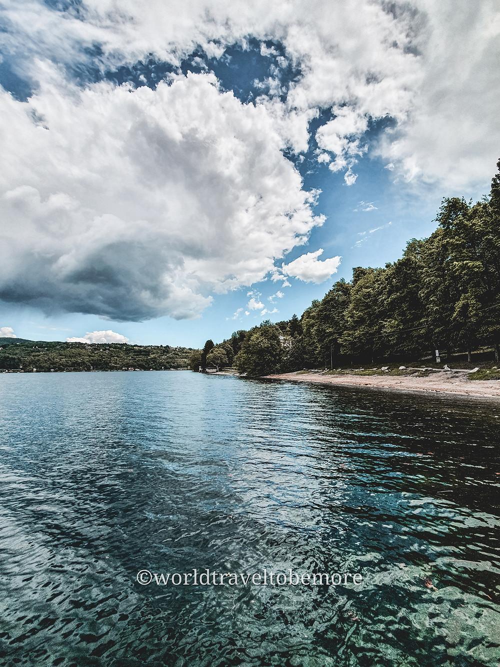 L'incantevole Lago d'Orta, su cui si affaccia Villa Crespi
