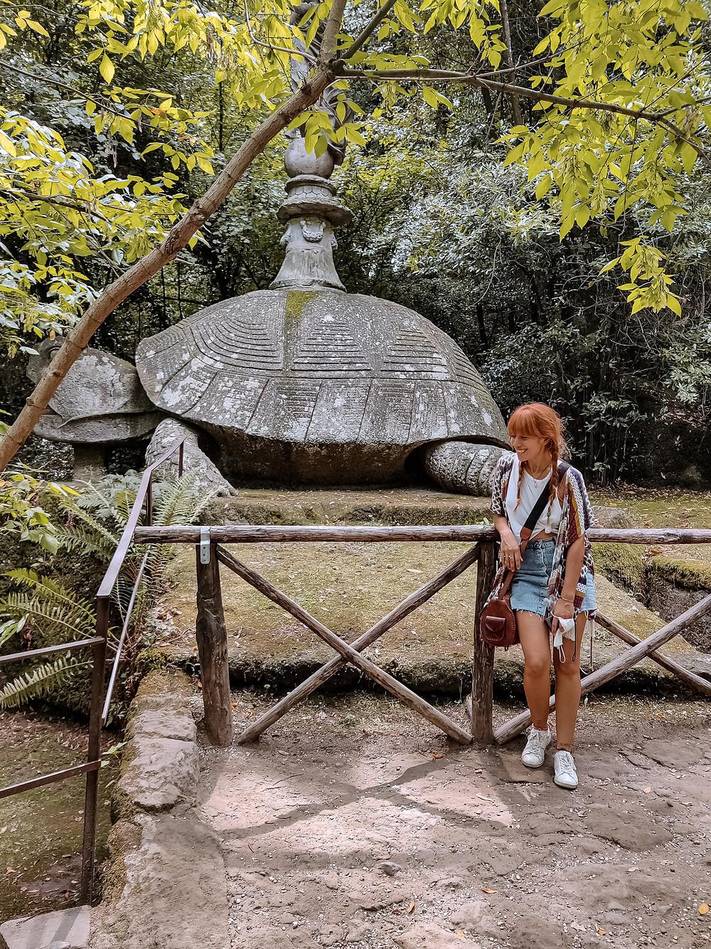 Io ed una timida tartarugona di terra. Parco dei Mostri di Bomarzo, Viterbo