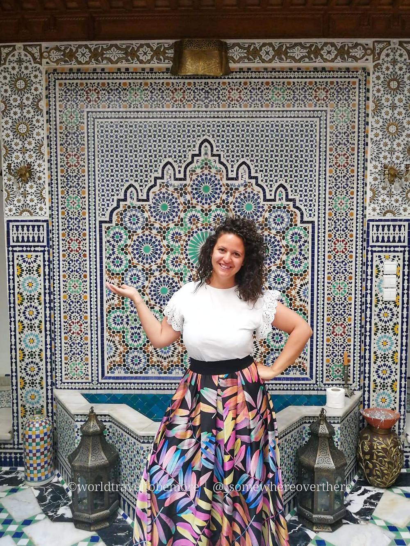In Marocco consiglio di tenere spalle e gambe scoperte, per portare rispetto alla cultura locale.