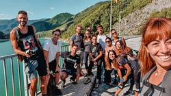 Foto di gruppo all'inizio del trekking attorno alla Diga di Ridracoli! Viaggi di gruppo @gajjey