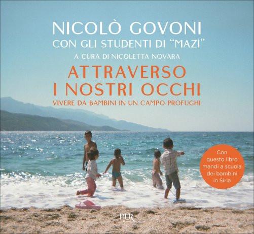 La copertina dell'ultimo libro pubblicato da Nicolò con l'aiuto dei bambini profughi di Mazì, la scuola in Grecia.