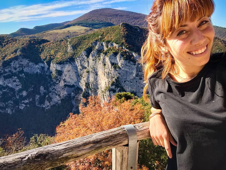 Le montagne italiane illuminate dal sole autunnale.