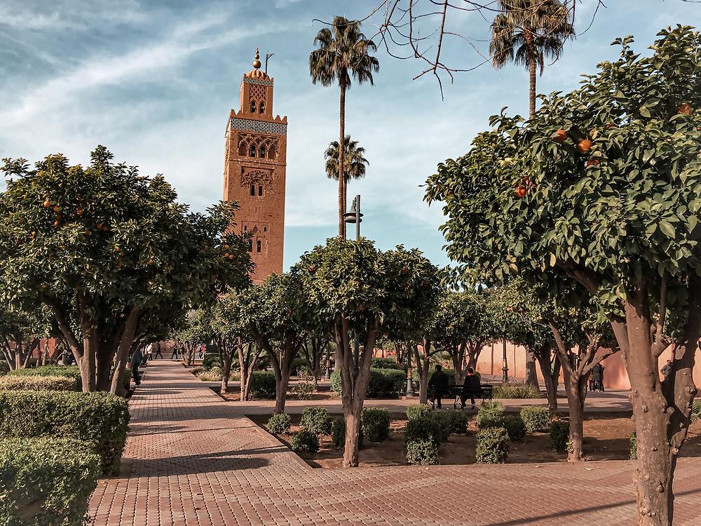 Vista della Moschea della Koutoubia vista dal giardinetto di fianco. www.wordltraveltobemore.com