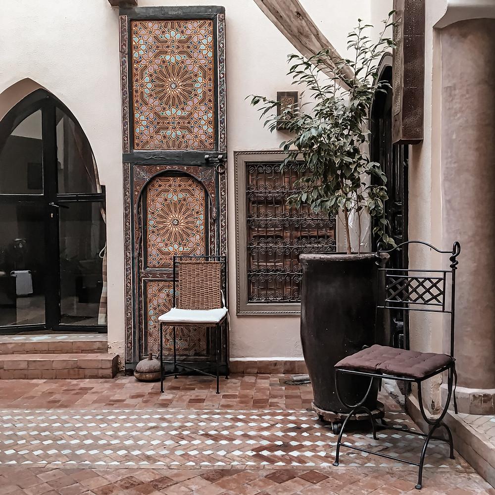 Fotografia con porta della nostra camera da letto in Marocco, riad in Marrakech
