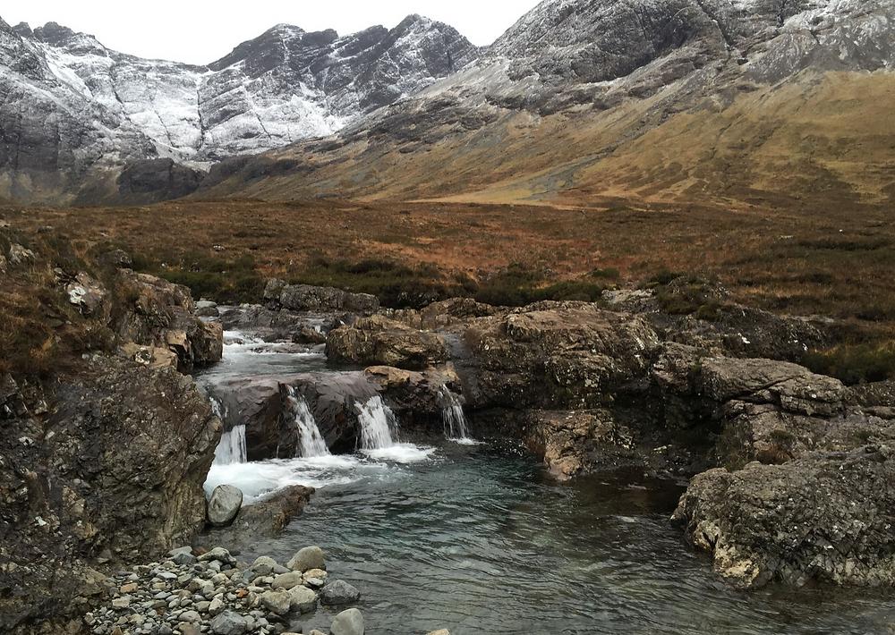 Cascate nell'isola di Skye. Immagine presa dal web.