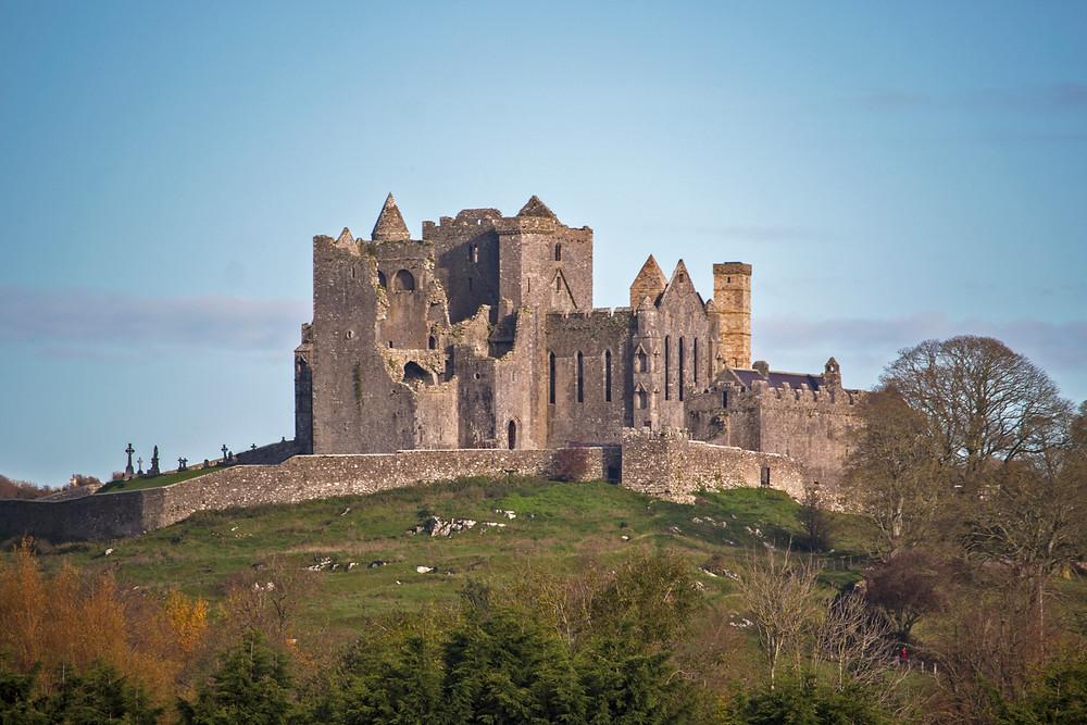 La famosa Rocca di San Patrizio immortalata nel suo splendore, siamo a Cashel nella Repubblica d'Irlanda.