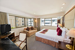 RP_Room_Family Suite_Master Bedroom_01.j