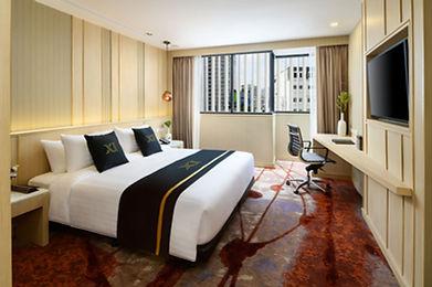11_Deluxe Room_King Bed_01.jpg