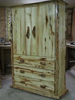 Oversize armoire