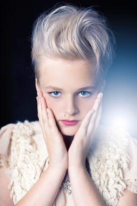 Highlight Hair dressing photography