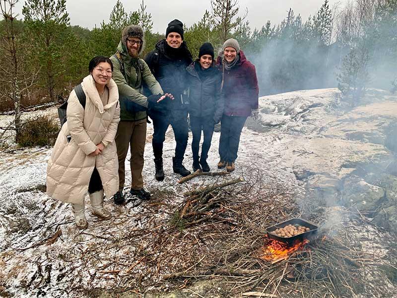 winter_hike_5_800x600.jpg