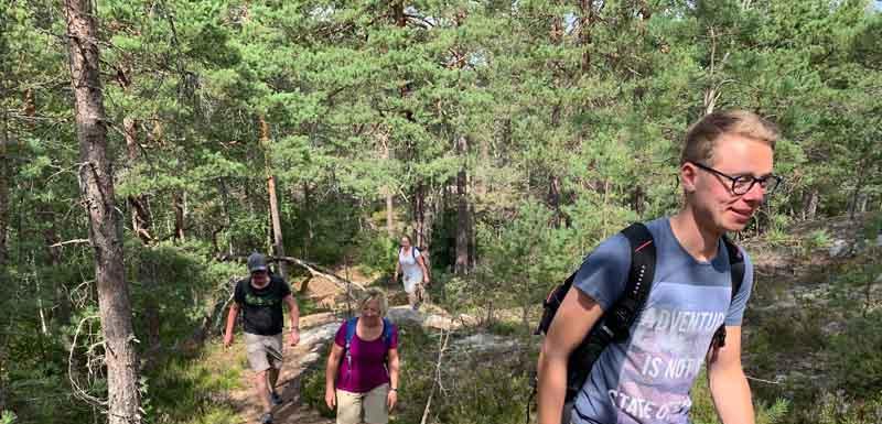 2. 800X600 1_Day_Hiking_near_Stockholm_O