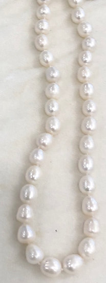 Beautiful Natural White Freshwater Pearl Necklace