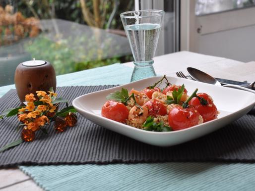 Knapperige gamba's met quinoa en gegrilde zoete tomaatjes