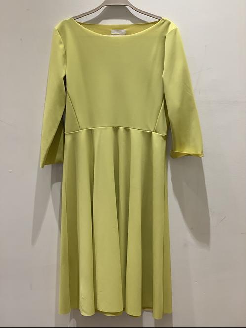 שמלה בגזרת A