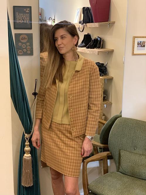 חליפה שלושה חלקים