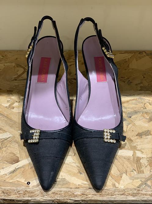 נעלי עקב סיכה