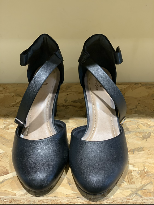 נעל נוחות בדגם קלאסי