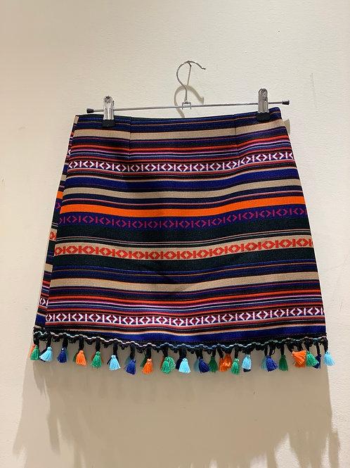 חצאית מיני אופנתית