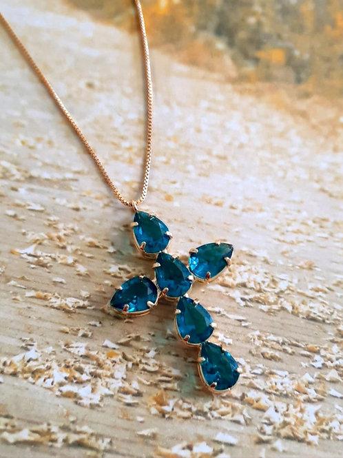Colar Pingente de Cruz Cravejada com Gota de Zircônia Azul